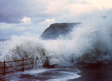 Stormy_seas,_Scarborough